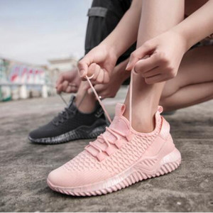 Amante Casual Mulheres Trainers Ultra Luz Sneakers respirável Men Running Shoes cesto Fly Weave malha Unisex Jogging sapatos de caminhada