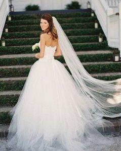 2021 Romantik Gelin Veils Kapak Yüz Bir Katmanlı Tül Düğün Başlığı Saç Peçe Tarak Kesim Kenar Uzun Gelin Aksesuarları Northial AL6045