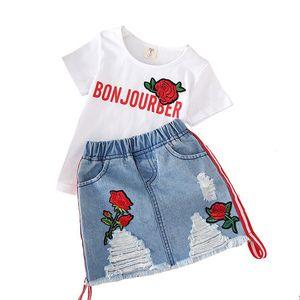 enfants vêtements de créations filles tenues tenues enfants rose brodé top + trou jupes en jean 2pcs / set 2019 Summer Boutique vêtements de bébé ensembles C6524