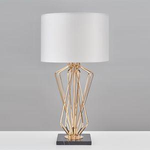 Lampada da tavolo moderna per soggiorno Camera da letto moderna Scrivania da comodino Lampada da tavolo in metallo Placcatura Design per la casa