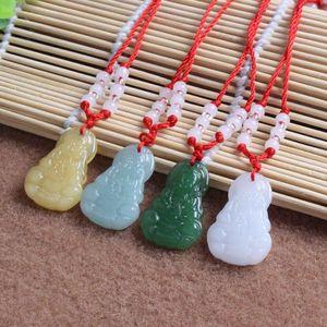 Hot Sale Guanyin pingente imitação Green Jade Colar Buddha de vidro ornamento DJN587 misturar a ordem Colares do jóias