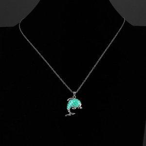 Estilos prata banhado jg1 colar luminoso encantador Dolphin Colares do criativa 3 Cor brilhando no escuro Jóias presente para o amigo