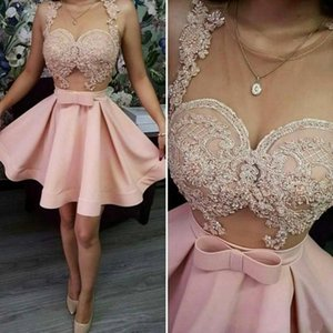 2020 Pink Homecoming Dresses para Senior Sheer Neck Apliques de encaje Short Prom Dress Sheer Neck See Through Vestidos de cóctel baratos