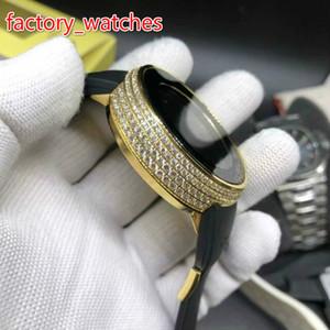 Orologio da uomo con cassa in oro e diamanti. Orologio digitale con cinturino in alluminio da 45 mm