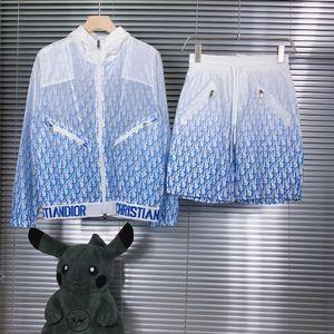 20SS printemps et en été de nouveaux produits d'impression couleur gradient short veste à capuchon écran solaire seule couche enveloppe de couche conditioni d'air de protection solaire