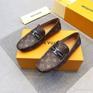 18ss 2020 Diseñadores de la marca Italian Men Dress Shoes Leather Formal Business Hombre Oxfords Wedding Party Brogue Shoes