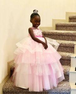 2020 Розовый Дешевые Простой Цветок Девушка Dresse Бальное Платье Sheer Шеи Маленькая Девочка Свадебные Платья Дешевые Причастие Pageant Платья Платья F262