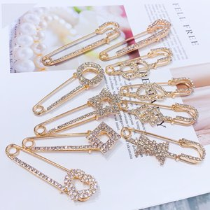 Fashion Charm Rhinestones Brooches for Women Crystal Breastpin Wedding Brooch Pin Jewelry Accessorise