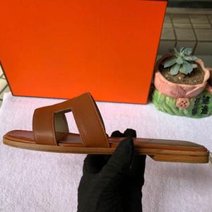 2020 progettista donne infradito pantofola scivoli estivi sandali di lusso delle donne del cuoio genuino metallo ape Lovely Bow Tie piatto pistoni con la scatola