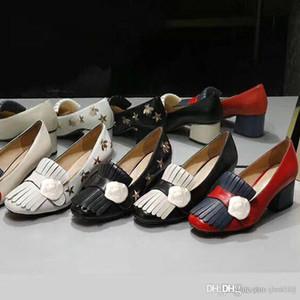 Klasik Orta topuklu tekne ayakkabı Tasarımcı deri Meslek yüksek topuklu Ayakkabı Püsküller Yuvarlak kafa Metal Düğme kadın Elbise ayakkabı Büyük boy 42