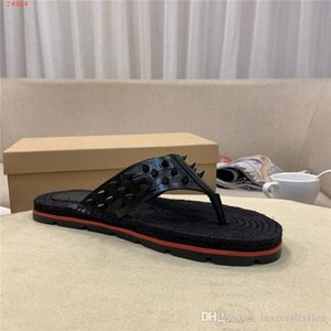 Mens fisherman sandals slides,Rivets Spiked Gladiator Flat men Slippers Black Rivets Sandal Big Size Leather Slippers With Matching Packing