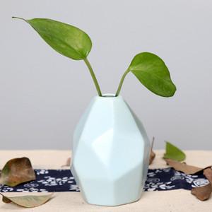 Ceramic Vase Dry Flower Creative Simple Decoration Household Ornament European Geometric Shaped Engraved Bottle High Quality EEA1409-6