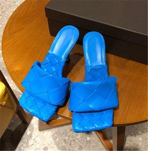 De alta calidad de cuero genuino tejido de piel de oveja Mujeres mulas deslizadores de los zapatos del dedo del pie Sequare Señora Diapositivas del partido de los altos talones