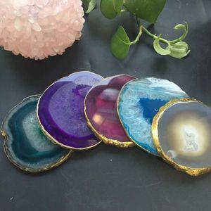 Ev Dekorasyon Hediyesi için yaldızlı dantel Mineral Numune ile Doğal Akik Geode Dilim adyabatik Kupa Mat Kristal Plakalı Jade Carnelian Coaster