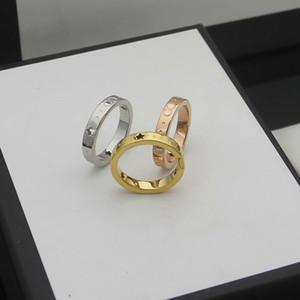 Europa Amerika Stil Männer Dame Frauen Titanium Stahl 18 Karat Gold Gravierte G Brief aushöhlen Pentagrammliebhaber Schmale Ringe Größe6-9