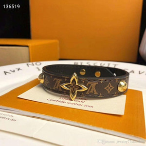 Fashion Women Genuine Leather Bracelets With Gold V Shape Designer For Women Flower Print Pulsera Luxury Bracelet Jewelry With Box