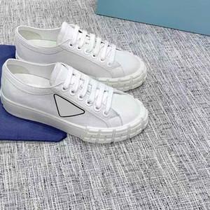2020 nuovo progettista di marca della tela di canapa del pattino Scarpe da donna High Top Classic Skate Casual corsa scarpe da ginnastica a basso scarpe da tennis di lusso della donna