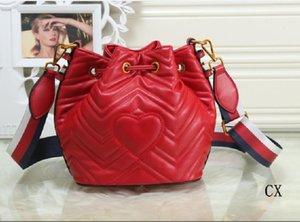Moda novo estilo Bolsas Saco Único Shoulder Bag Slant sacos com uma Heart-Shaped Couro Bucket bolsa para a menina Mulheres Saco de mão