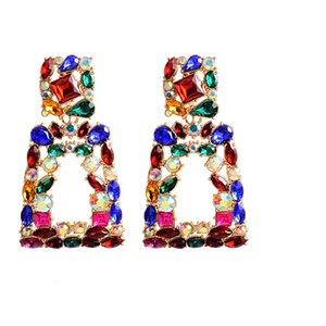 Venta al por mayor ZA Nueva metal largo ahuecado colgantes cristales coloridos accesorios de joyería cuelga los pendientes de gota de punto para mujeres