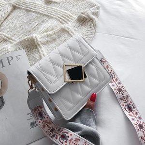 Messenger Bag en cuir de femmes Sac à bandoulière femmes avancée Sense Petite Place 2020 Summer Fashion Rhombus chaîne