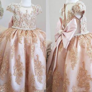 Perlas de lujo perlas de encaje flor de encaje vestido de manga corta niña niña vestidos de invitados de la boda del pueblo de la vendimia vestidos de fiesta personalizados