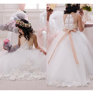2019 Lovely Girls Pageant Dresses Lace Appliqued Ball Gown Beaded Sash Flower Girl Dresses Kids Formal Wear Gowns