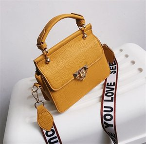 Cross Body Wide Shoulder Strap Shoulder Bag Stylish Small Square Bags Hand Bag Fashion PH-CFY20051836