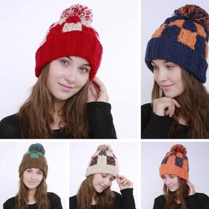 Moda Plaid Knit Hat Handmade macia Pom Pom Crochet Gorro Caps Outdoor Inverno Quente esqui chapéus do partido Caps TTA1940-2
