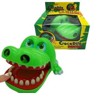 (لاغري) الخلاق النكات العملية الفم تمساح الأسنان يد لعب الأطفال ألعاب عائلية كلاسيكية عض الأصابع التمساح لعبة VT0103