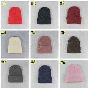Зимние шапки для дам женщин вязание крючком вязать Cap Skullies Шапочки Теплые Caps Мода Женский Cute Solid трикотажной Стильный Hat LJJM2344-3