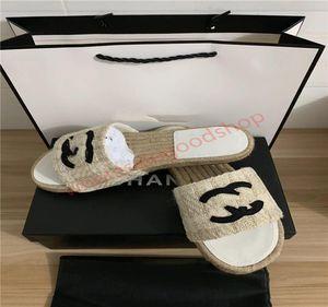 Chanel Photos Similar 44 Hommes Femmes Sandales Designer Chaussures de luxe Diapo Été Mode plat large Slippery Avec épais Sandales Chausson flip Flo