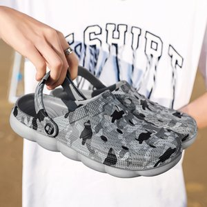 Crocse Men's Summer Hole Shoes Sandals Breathable Unisex Outdoor Non-Slip Beach Slipper fashion light trend light walking shoes Y200520
