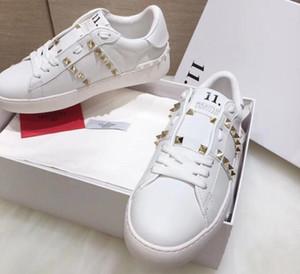 2019 Fashion Designers Donna Scarpe di lusso Marche Donna Low Cut Bianco Scarpe casual in vera pelle donna Zapatos Sneakers Mocassini 35-40