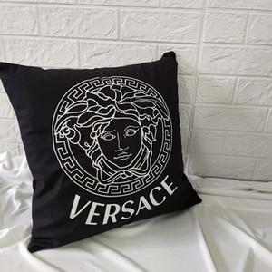 Yeni moda yastık kılıfı 45 * 45cm siyah ve beyaz yastık kılıfı geometrik kafes çizgili İngilizce harfler basit kanepe yastık kılıfı