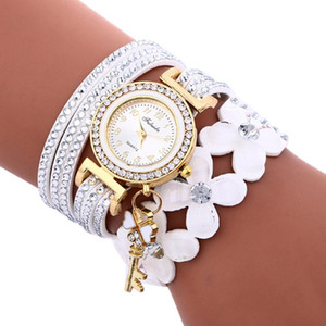 Kadınlar Bilezik Saat Yapay elmas Deri Zinciri İzle Saat Bayanlar Kuvars saatler Relogio Around the Key Çiçekler Wrap