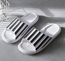 Hommes Femmes Sandales Designer Shoe Luxe Diapo Été Mode plat large Slippery Sandales Slipper taille flip flop 35-46 boîte fleur zs022