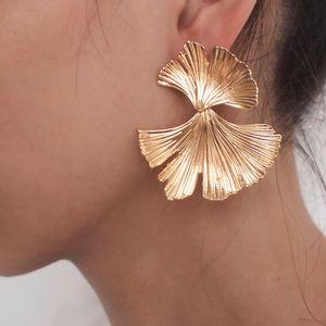 EK173 Böhmische Geometrische Gold Farbe Ginkgo biloba Blattform Ohrringe für Frauen Aussage Ohrring Schmuck Zubehör Punk