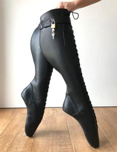 Siyah LOCKY Kilitlenebilir Bale Boots Kadınlar Seksi Kama Nal Sole Heelless Pinup Bale Fetiş Spike Topuklar Diz-Yüksek Boots Çapraz bağlı