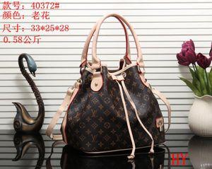 Naverfull 5A+ L Designer Shopping Bag V Fashion Women Shoulder Bag Classic Lady Messenger Handbags Purse Casual Tote Bags with Clutch 101