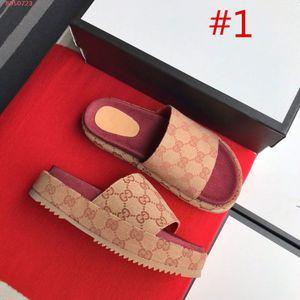 2019 neue Stil Frauen 573018 slide Sandale Klassische Mode Designer Damen rote Erdbeere farbige flip flops Beliebte top Marken mit der box