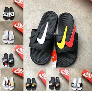 Nike 22 estilo 2020 Moda Chinelos Marca de luxo Designer antideslizantes resistentes ao desgaste Plano casa de praia Calçados masculinos New Hot Summer falhanço de aleta