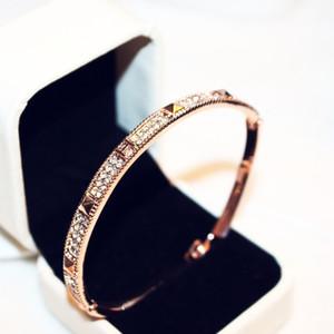 Diseño de marca de moda de alta calidad rosa brazalete de oro para las mujeres diamantes CZ amor pulsera regalo de la joyería H00112