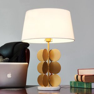 Marble металлической основы стентой мода творческая настольная лампа современная гостиная / спальни / прикроватная декоративные настольная лампа