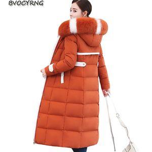 NOUVEAU hiver DOW DOWN Femmes Canard Blanc Down Parka Big Manteau à capuchon à capuchon de la fourrure Femme Plus Taille Épaissir Manteaux haut de gamme