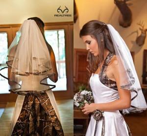 Véus de Noiva Camo Em Estoque Véu de Noiva Comprimento do Cotovelo Simples de Duas Camadas Artesanal Tule Nobre Camo Borda da Fita Véu de Noiva Headwear Pente