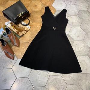 Tasarımcı 2019 Siyah / Kırmızı V Yaka Kolsuz kadın Elbise Milan Pist Metal V Düğmeleri Vestidos De Festa 201907