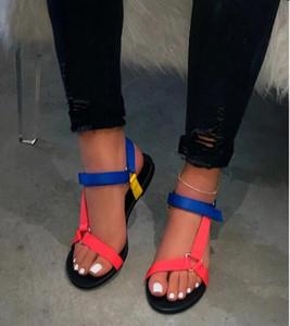 2020 Yeni Kadın Yaz Yumuşak Kayma Sandalet Kadın Toka Kayışı Köpük Sole Dayanıklı Sandalet Bayanlar Açık Casual Plaj Ayakkabı Düz Bottoms Terlik