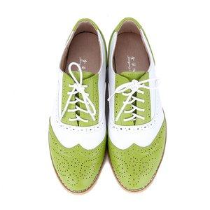 New 2020 Marke vier Jahreszeiten Frauen-Schuh-echtes Leder flache Schuhe Farbabmusterungssysteme Bullock schnitzen Muster Oxford Schuhe für Frauen