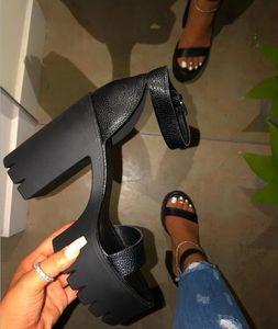 Zapatos de las sandalias de moda del club de PVC Mujer tacones altos de las mujeres del dedo del pie abierto atractivo barato Plataforma transparente claro Partido Comfort vacaciones