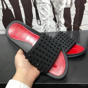 Новое прибытие Мужской моды Причинно Дизайнерские сандалии красных нижней тапочка Шпилька Дизайнер Кожа Вьетнамки Душевой комната плюхается Пляж Fun Flat40-45